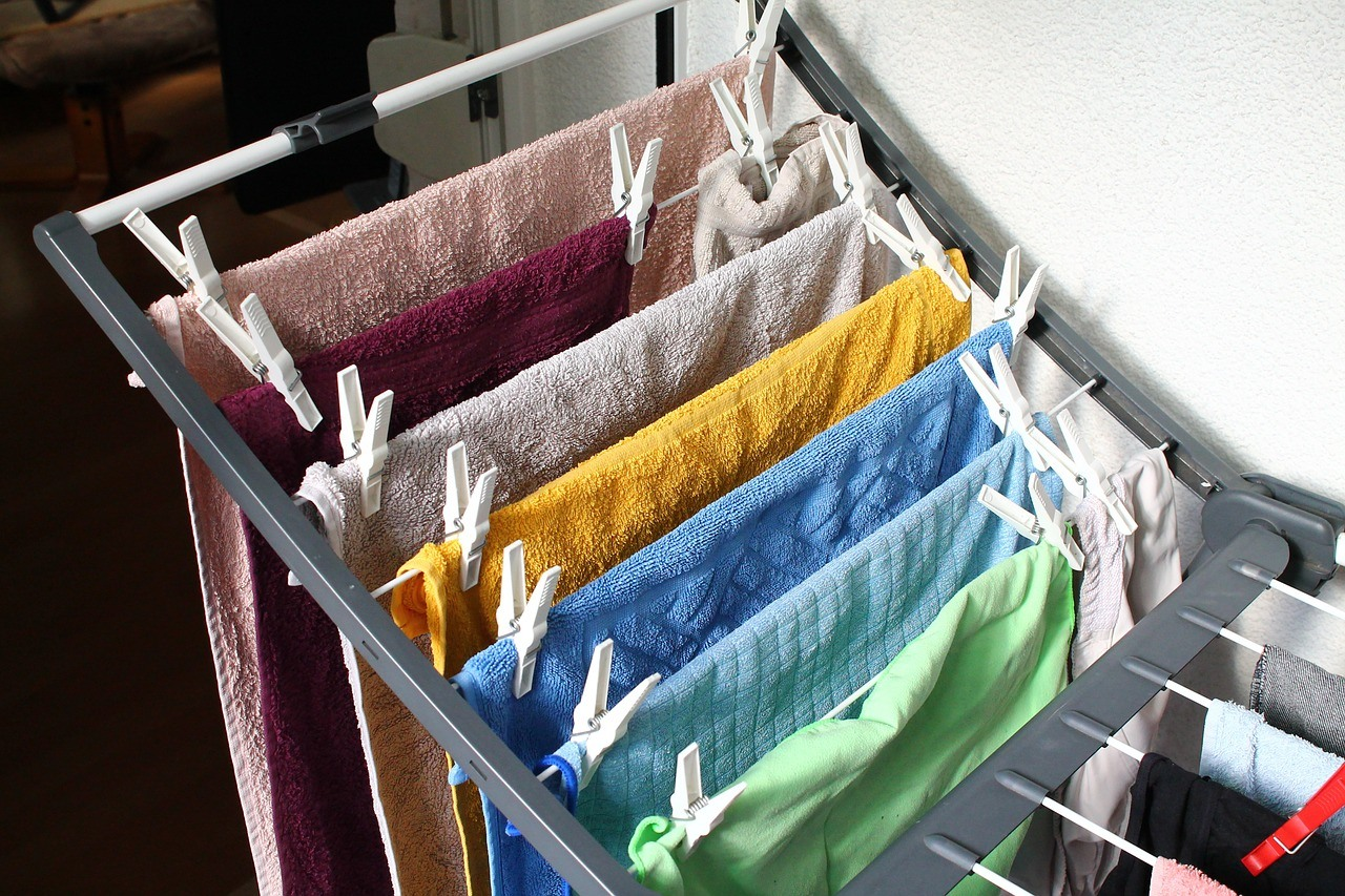 eco friendly tips-hang dry laundry